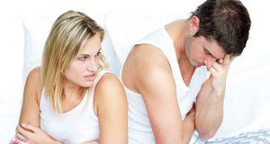 Homem preocupado com ejaculação precoce