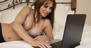 Mulher Fazendo Sexo Online