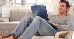 Homem no Laptop