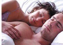 Casal Dormindo após Sexo