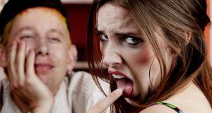 Mulher Insatisfeita com o Papo do Encontro