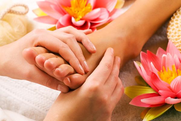 Massagem nos pés