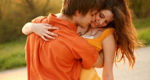 Casal Amando de Laranja