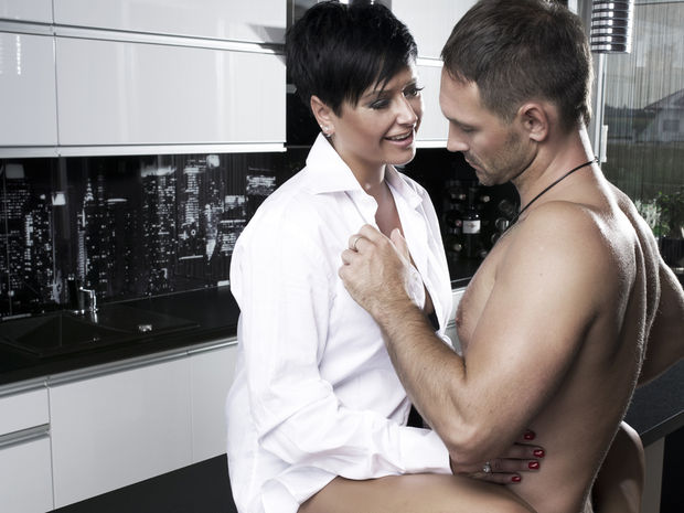 Casal Fazendo Sexo na Cozinha