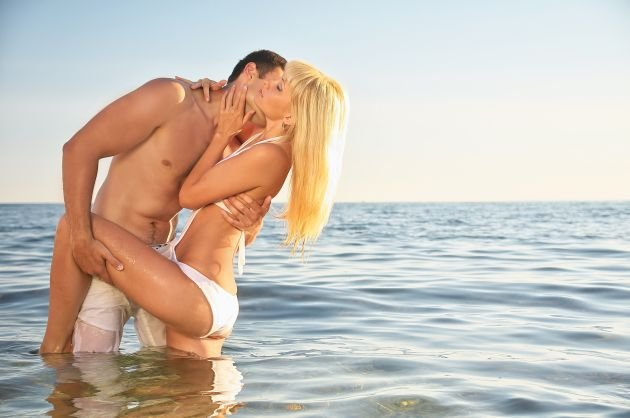Casal no Mar