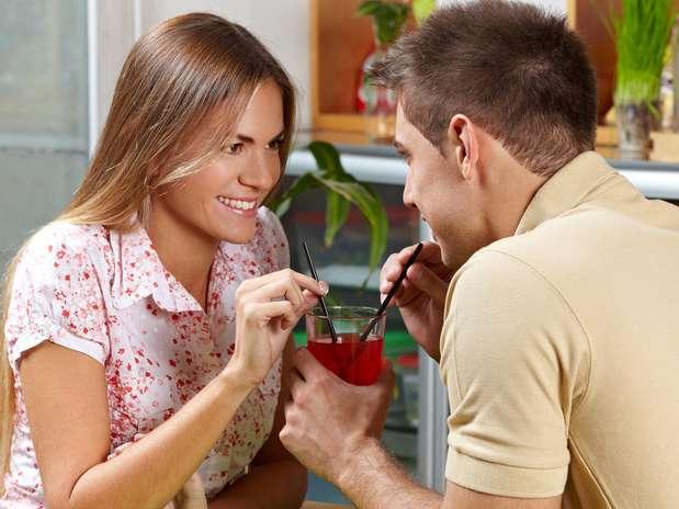 Casal Bebendo Drink