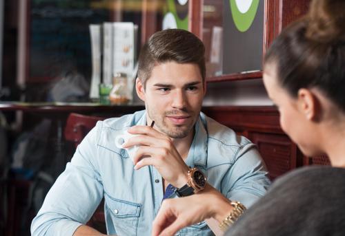 Homem Conversando