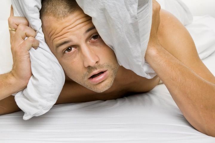 Homem Não Consegue Dormir