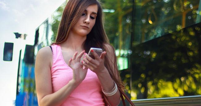 Mulher no telefone